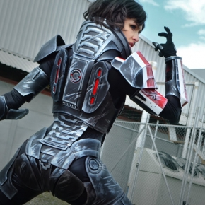 femshep-angela-bermudez-cosplay-image