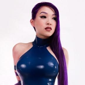 linda-le-vamp-beauty-psylocke-psychic-knife-cosplay
