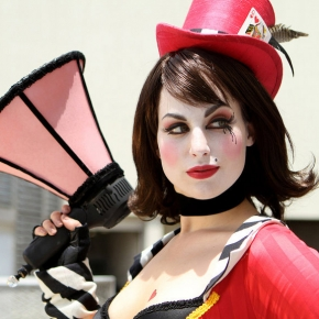 mad-moxxi-cosplay-by-meagan-marie-model