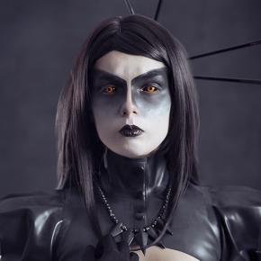 elisanth-black-magic-model