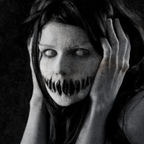 elisanth-psycho-makeup