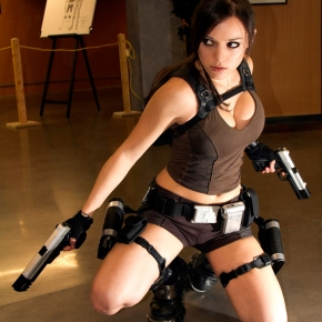 lara-croft-illyne-cosplay