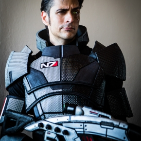 ljinto-mass-effect-cosplayer-photos