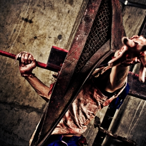 mike-rollerson-pyramid-head-cosplay