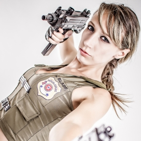 mike-rollerson-sonya-blade-cosplay-photographer