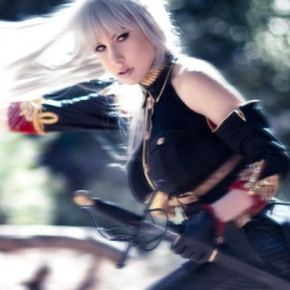 crystal-graziano-azure-witch-cosplayer-model
