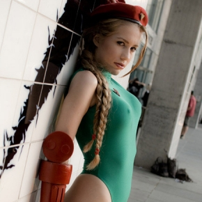 crystal-graziano-cammy-street-fighter-cosplay-model