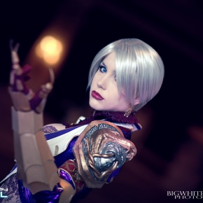 crystal-graziano-ivy-soul-calibur-iv-cosplay