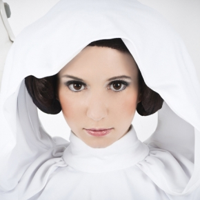 riddle-princess-leia-cosplay-model