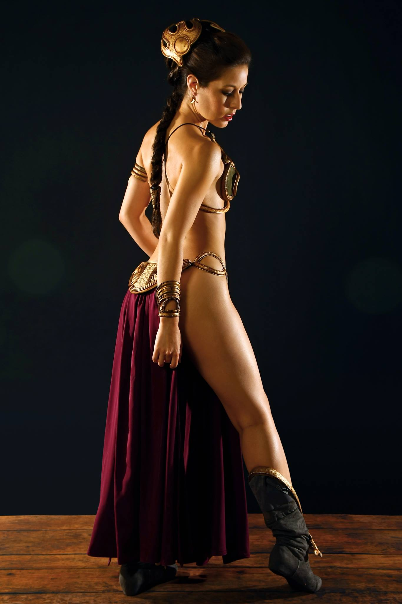 Women Wearing Revealing Warrior Outfits - Page 16 Scruffy-rebel-cosplay-princess-leia