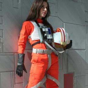 scruffy-rebel-starwars-xwing-pilot-cosplay