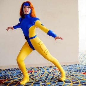 scruffy-rebel-superheroine-cosplayer