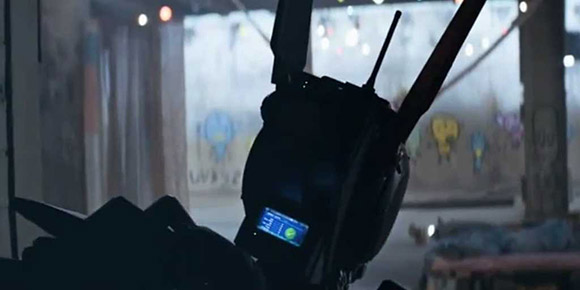 2014-chappie-new-scifi-movie-trailer