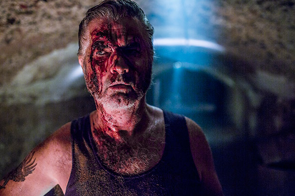 2014-wolfcreek2-John-Jarratt-as-Mick-Taylor