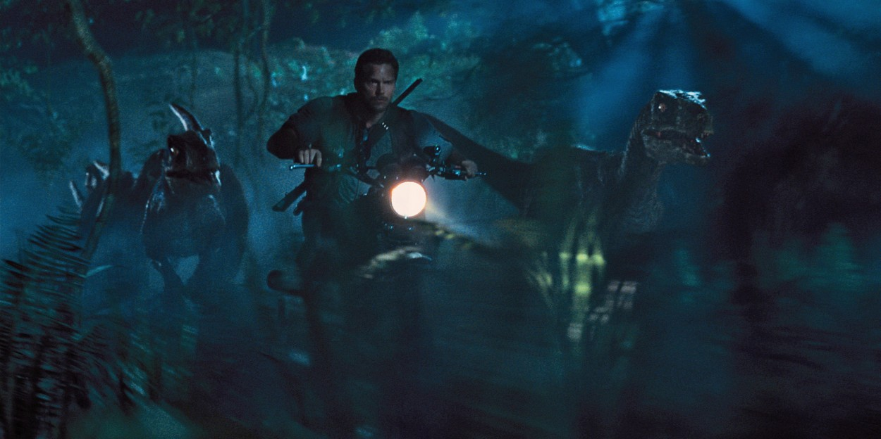 jurassic-world-2015-uk-review